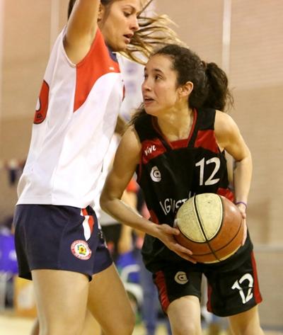 Carolina Hernando dominó el duelo tras el descanso