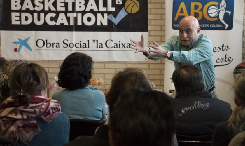 """El café sabe muy dulce con Buceta en Veritas: """"Los padres deben apoyar a su hijo"""""""