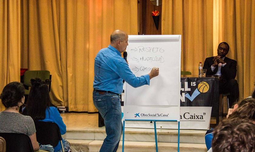 """Charla BIE en La Goleta con Javier Imbroda: """"El respeto es mucho mejor que una jugada espectacular"""""""