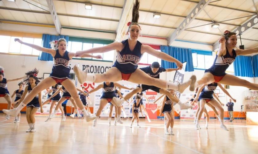 Concurso Colegial de Cheerleading (I) ¡Espectáculo en el Colegio Joyfe!