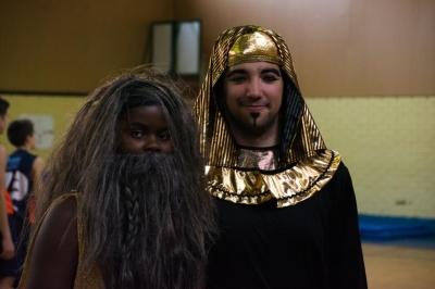 Profetas vs Faraones