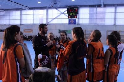 Coach Acero dando instrucciones