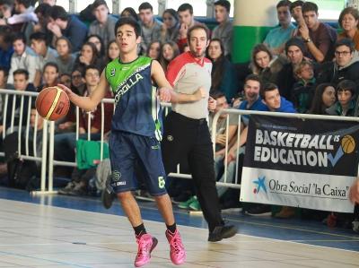 Álvaro Ruiz iniciando un ataque