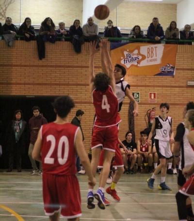 Cilleruelo lanza su martillo ante Jaime Urgél