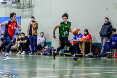 Pablo Santos conduce al ritmo del juego