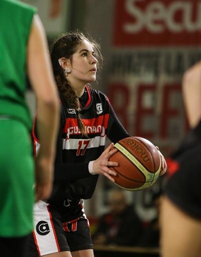 Carolina Bertoncini cuajó un gran partido