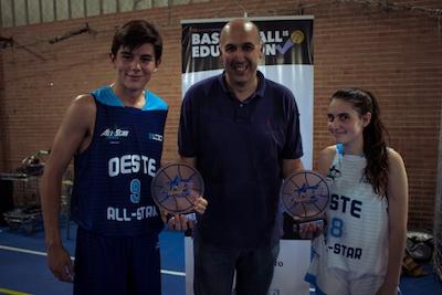Arturo Morales y Victoria Rivera con Gabi Cepeda