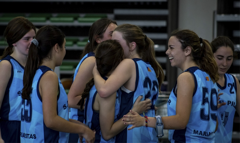 El Pilar Blue Raptors arrolla a Maristas para hacerse con el Estandarte