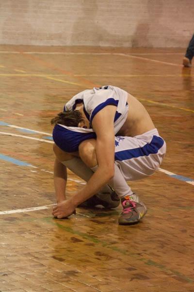 Velasco hundido tras la derrota