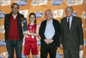 Belén Bonet recoge el Trofeo de campeonas