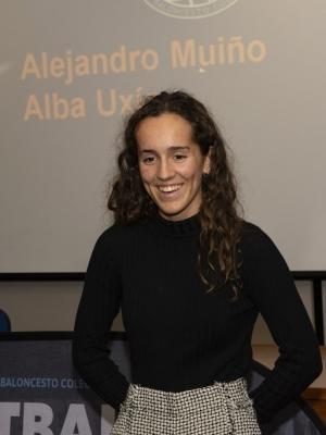 Alba Uxía